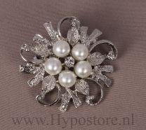 Nilette Plastronspeld bloem met 5 parels